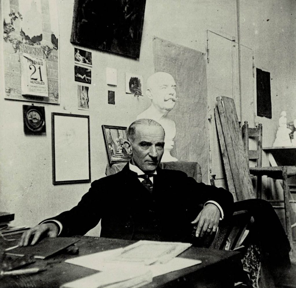 Denys Puech dans son atelier